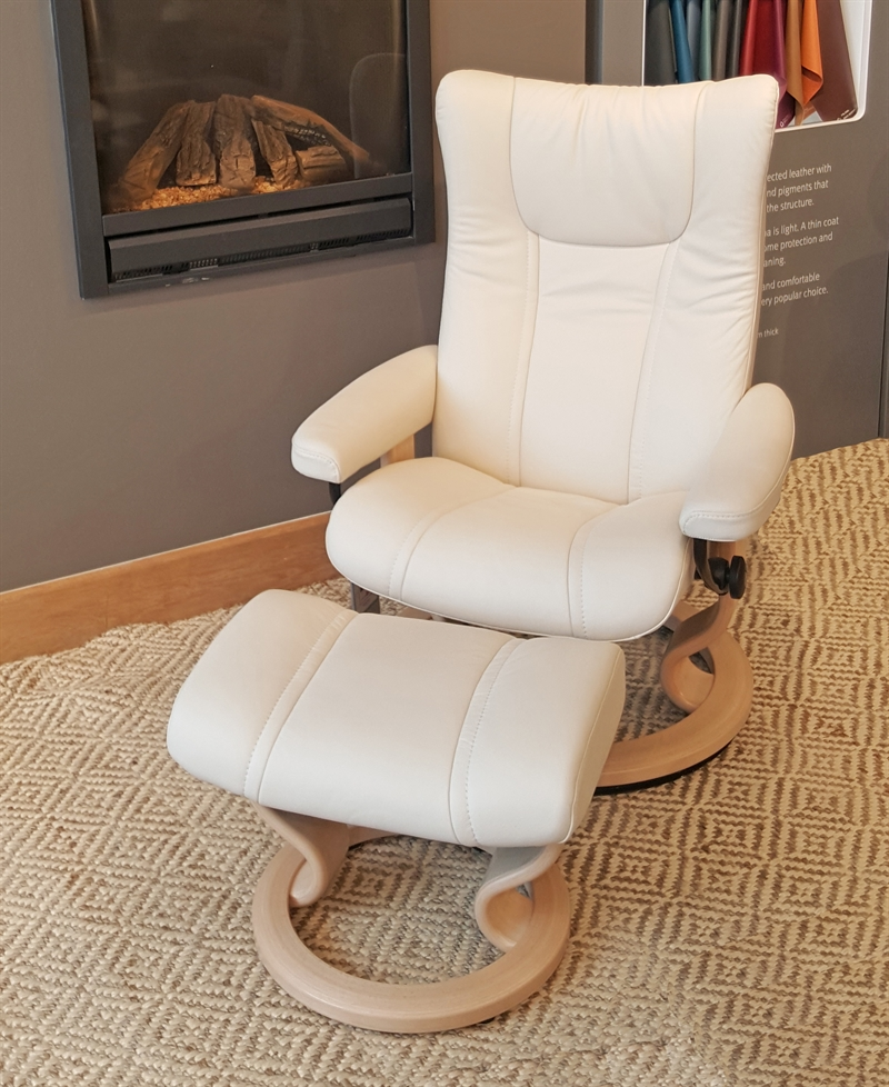 Stressless Wing Recliner with Footstool