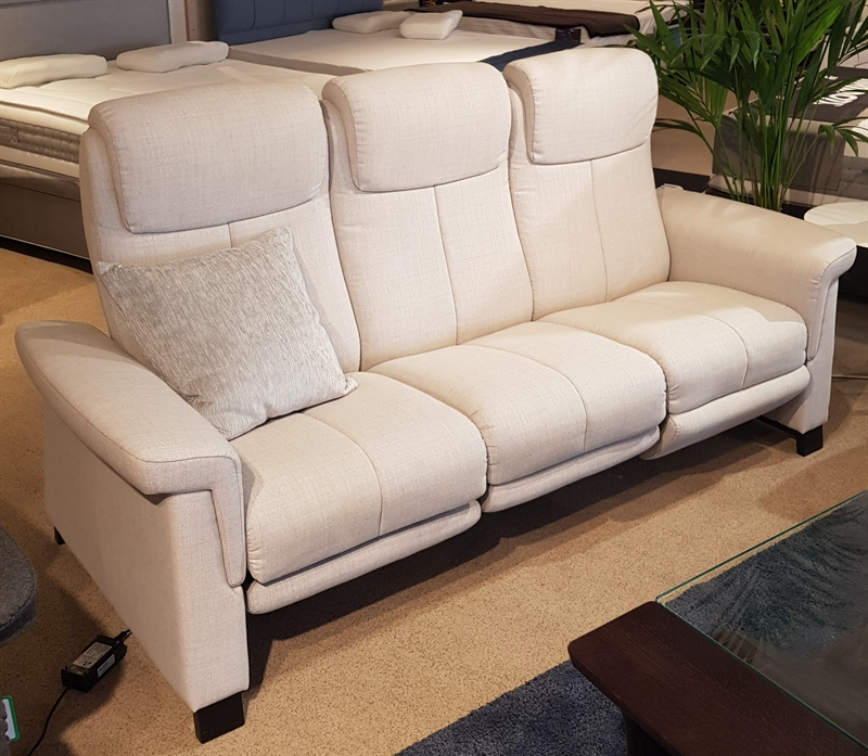 Stressless Breeze Sofa with Comfort Leg