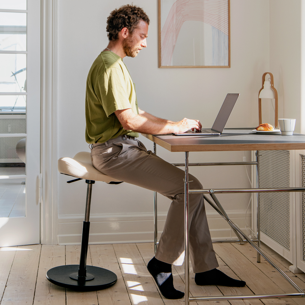 A Portable Kneeling Chair