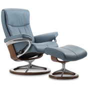 Stressless Peace Recliner with Footstool - Signature Base